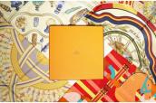 HERMES (エルメス) を代表するアイテム、「カレ」。スカーフの使い方:画像1