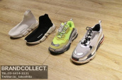 You can buy BALENCIAGA items with TAX FREE price.:画像1