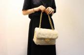 CHANEL(シャネル)から、パールエンブロイダリーシャーリングバッグをお買取りさせて頂きました!:画像1