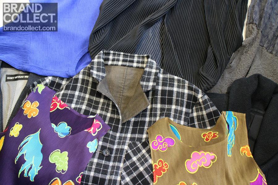 【買取金額アップ対象ブランド】ISSEY MIYAKE(イッセイミヤケ)の定番プリーツアイテムから今着れるジャケット類など一挙に販売開始です!