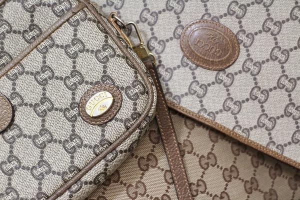 今っぽく持てるGG柄でお馴染みのOLD GUCCI(オールドグッチ)のバッグが大量入荷です!!