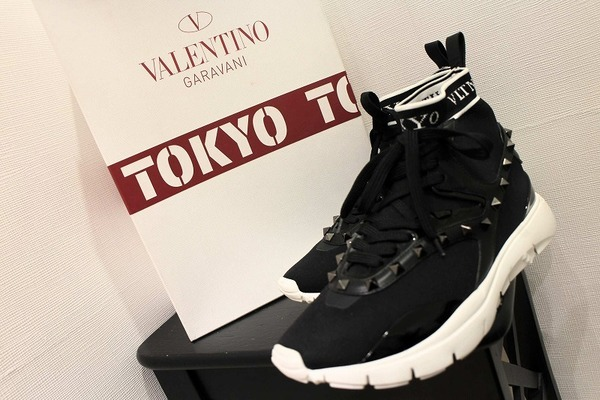 VALENTINO(ヴァレンティノ)よりプレミアムな1足をご紹介いたします