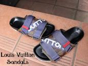【この季節にピッタリ!!】LOUIS VUITTONからサンダルが入荷致しました!!!:画像1