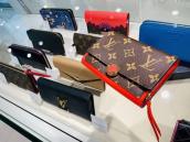 Louis Vuitton<ルイヴィトン>2つ折り財布M64587を買取させていただきました。【ブランドコレクト表参道店】:画像1