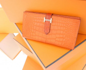 HERMES(エルメス)から一度は持ちたい財布、「ベアン」のご紹介です。【ブランドコレクト表参道店】:画像1